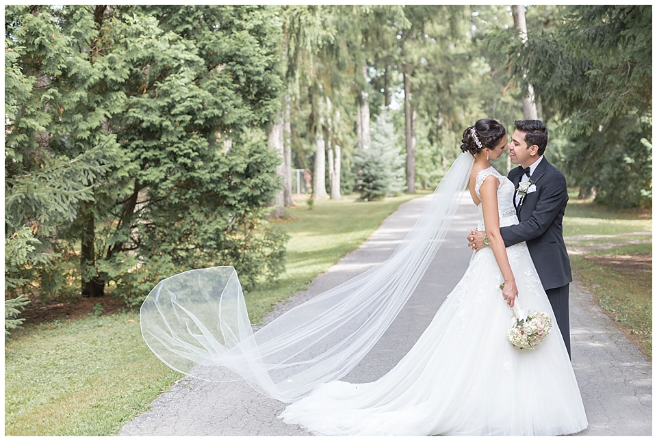 bride-and-groom-oakville-wedding-photography